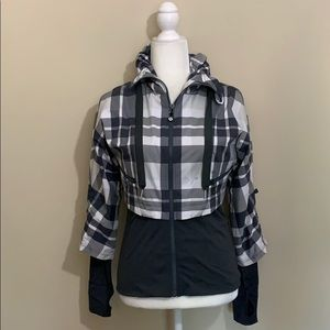 NWOT Lululemon Seek the Peak Jacket Grey White 4